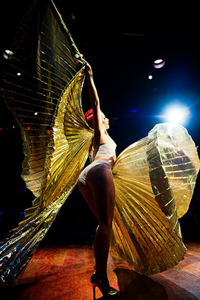 New Orleans burlesque superstar Bella Blue: the woman behind the glitter | IntheNOLA.com