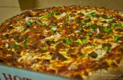 Pizza returns to Gentilly at Pepperoni Rays